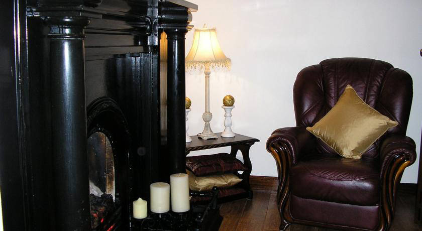 Sligo Bed and Breakfast Accommodation relaxing Guest Lounge area
